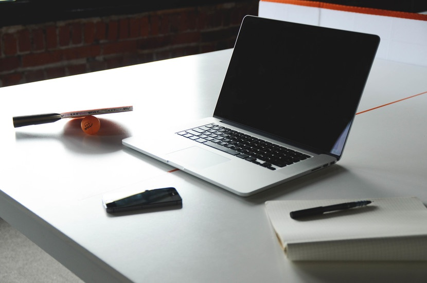 desk-notebook-office-macbook-large