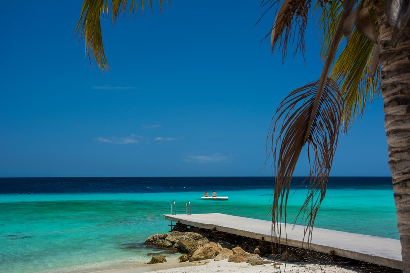 beach-holiday-vacation-caribbean-large